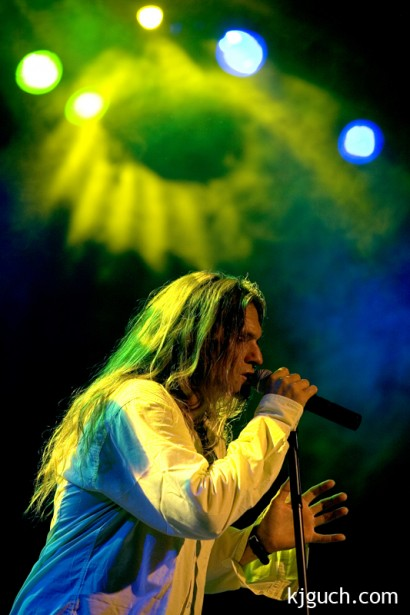 Andy Kuntz singing
