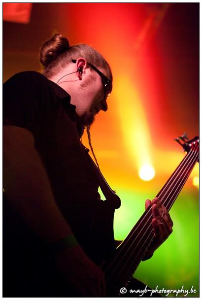 Torsten Reichert playing bass
